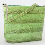 Lachs Leder Schultertasche im trendigem hellgrün