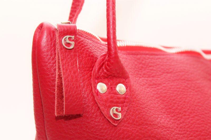 Leder Schultertasche aus Rindsleder in Rot